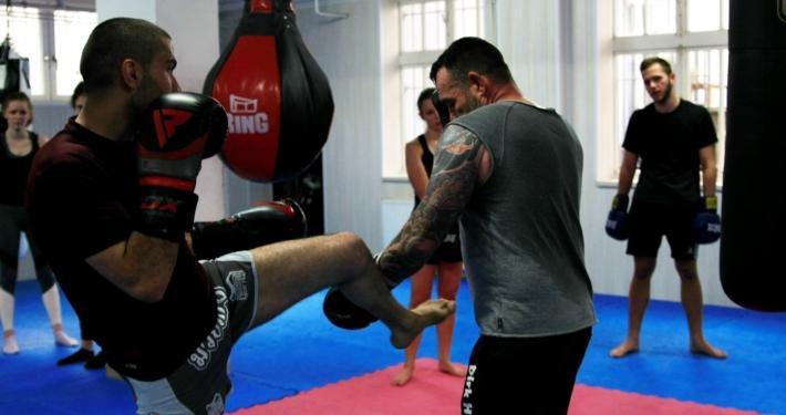 Kickboxen für Männer und Frauen